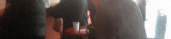 Бабулька в кафе