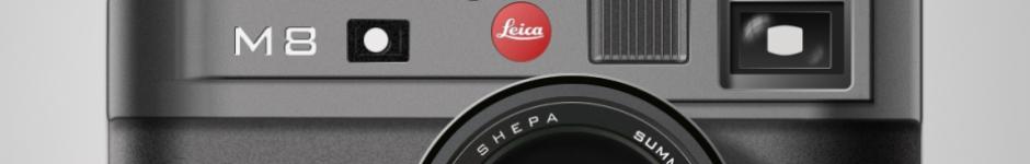 Фотоаппарат Leica.